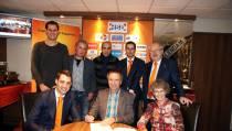 Contract tussen FC Volendam en MEE Amstel & Zaan