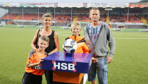 Robin Mooijer mascotte van FC Volendam