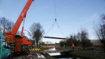 Tijdelijke brug over de vaart langs de Dijkgraaf Poschlaan