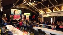 Diploma-uitreiking van jeugdschaatsen van IJsvereniging Edam