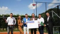 Rabobank-klok op tenniscomplex