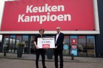 Cheque van Keuken Kampioen voor Stichting CarMar