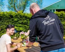 Theetuin Katwoude: heerlijke lokale producten op een landelijk terras