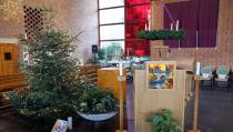 Speelgoed en schoolspullen onder de Kerst-Wensboom