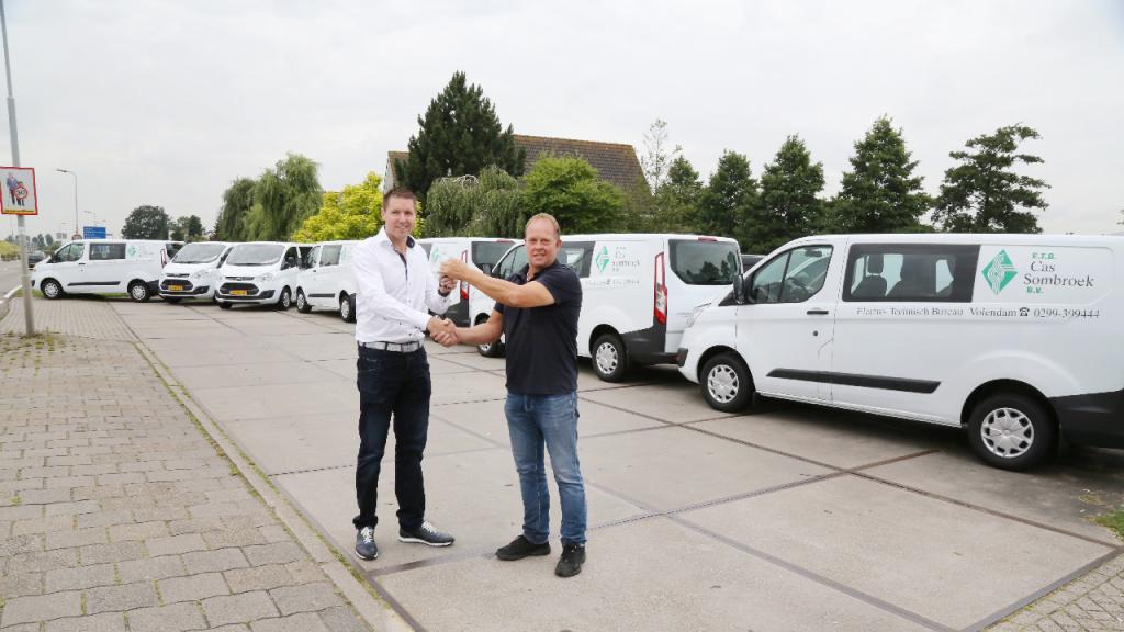 Mooi Sombroek Keukens : Acht nieuwe ford bussen voor etb cas sombroek nieuw volendam