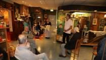 Museumbezoek voor senioren van de Dagopvang