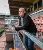 Klaas Smit draagt na vijftien jaar het stokje over